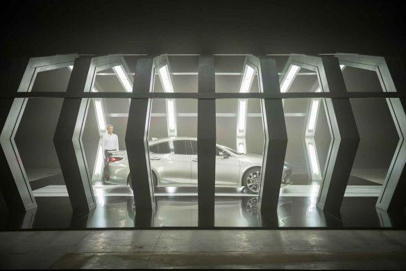 Künstliche Intelligenz schreibt Film zum Lexus ES. Foto: © Vlad Cioplea
