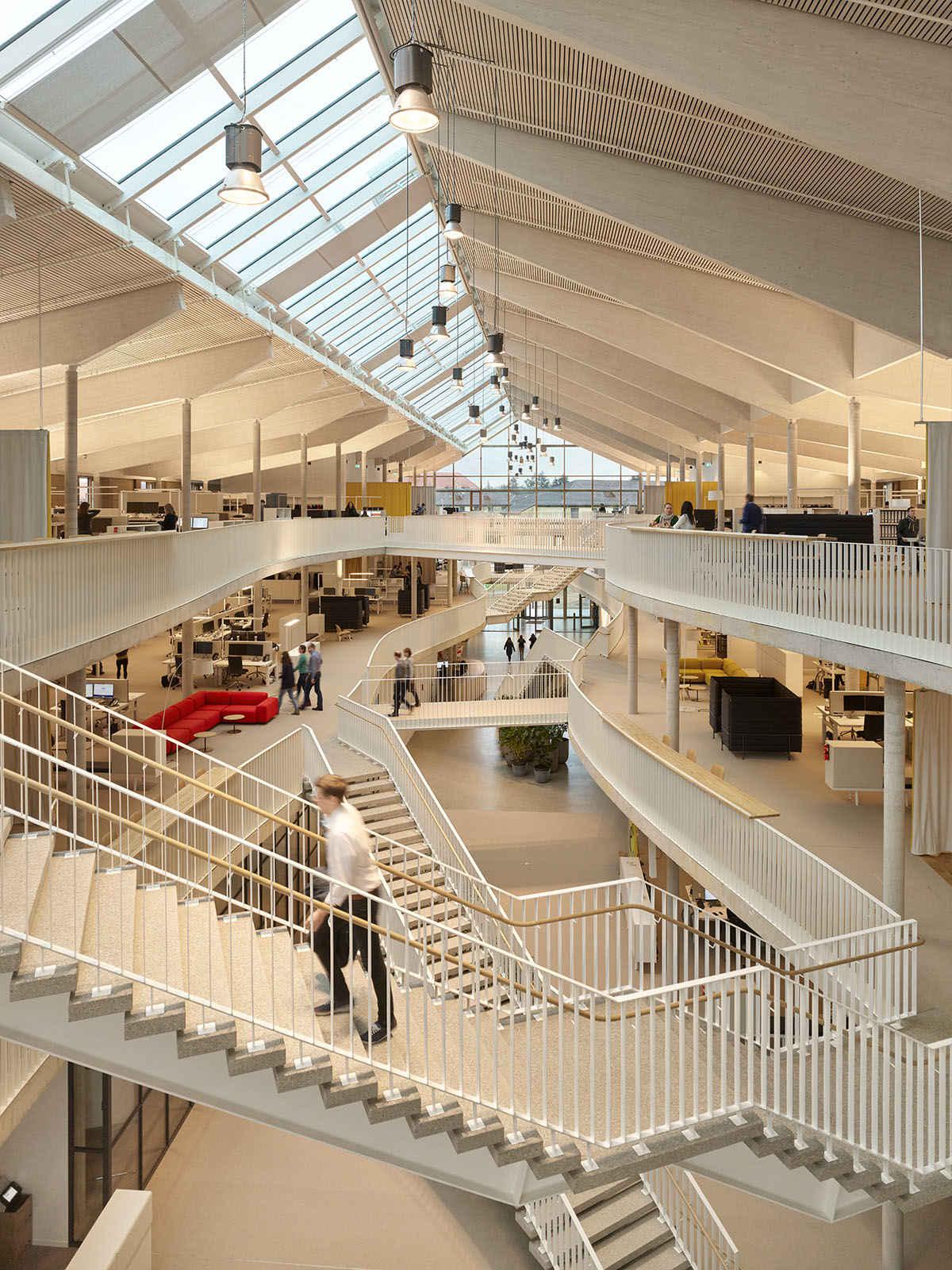Alnatura Atrium, Foto: Roland Halbe