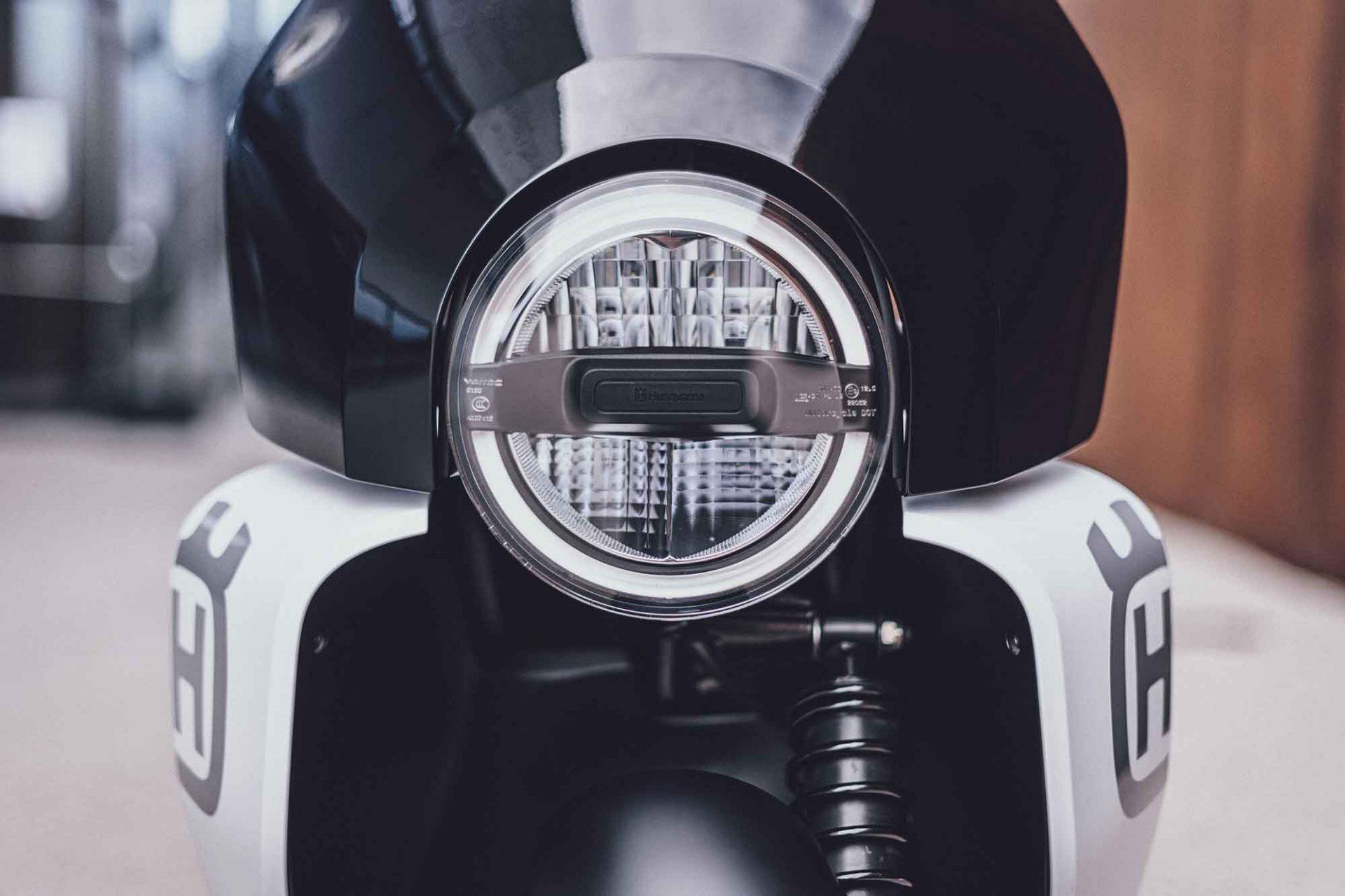 Husqvarna Motorcycles, Vektorr