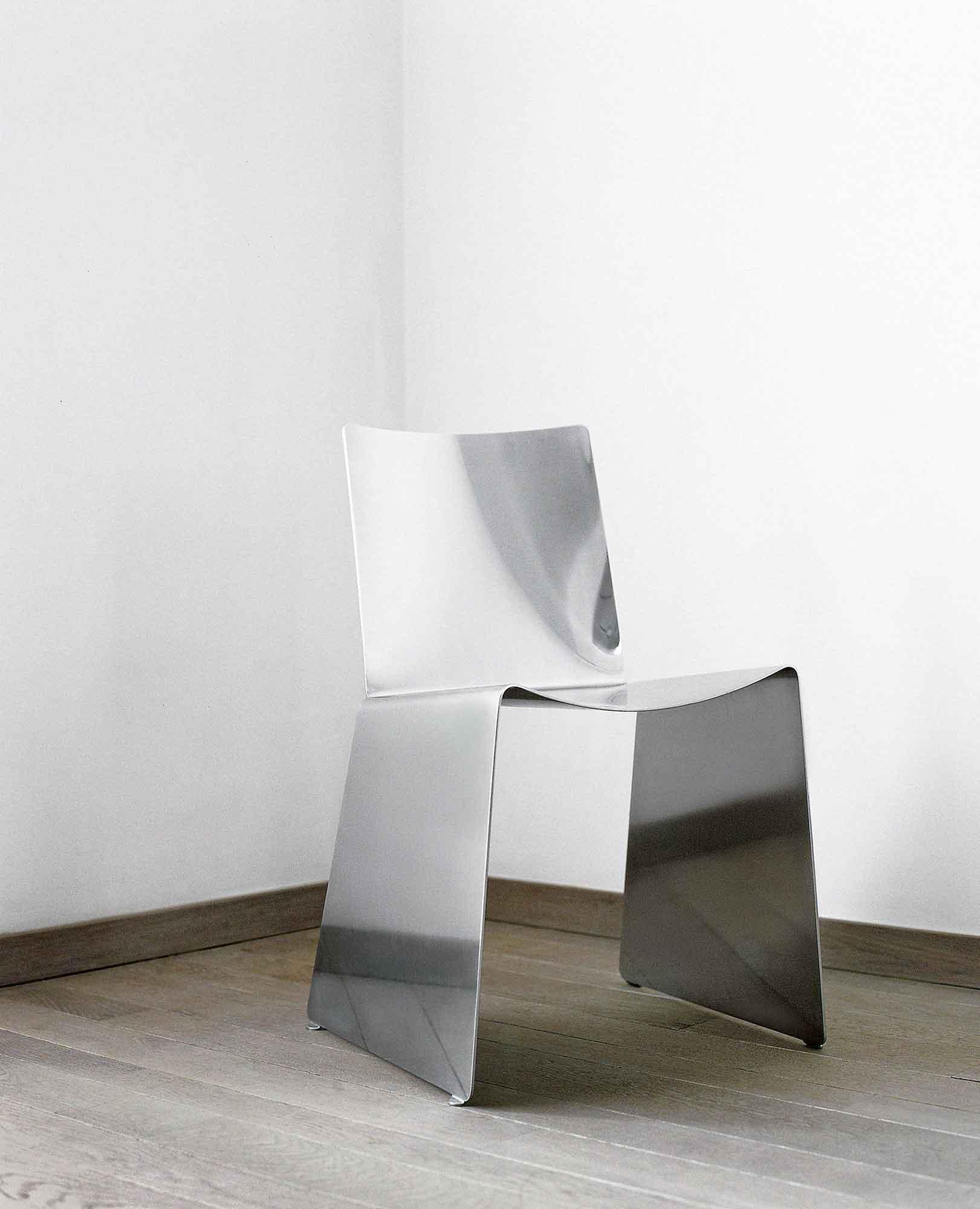 T-Chair, Xavier Lust