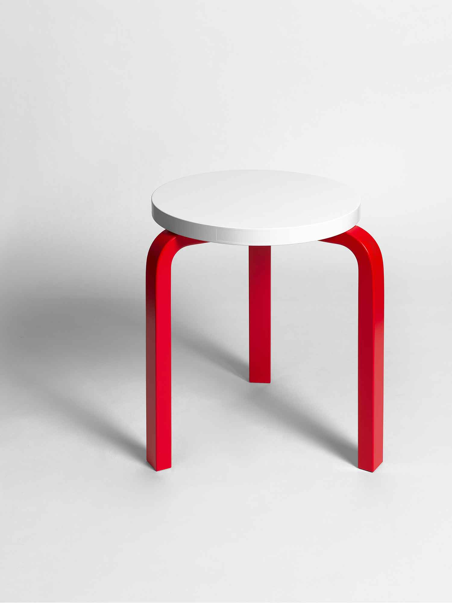 Stool 60, 21 Questions