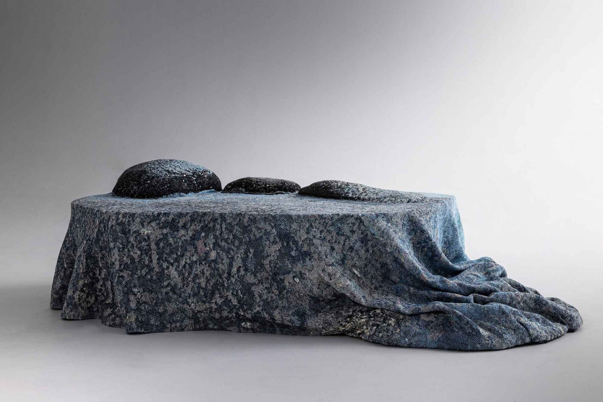 Design by Nature, Front, Moroso